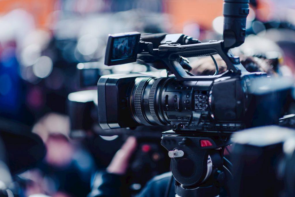 camera-at-a-press-conference